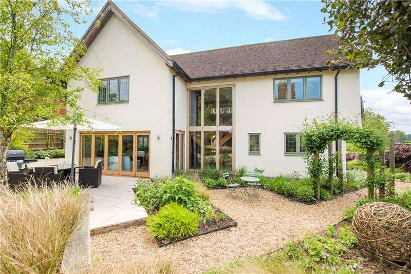 4 Bedrooms Detached House for sale in High Street, Flitton, Bedford, Bedfordshire