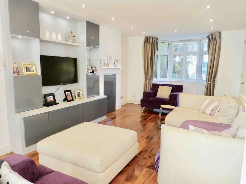 4 Bedrooms Detached House for sale in WENTWORTH ROAD, GOLDERS GREEN, LONDON, NW11