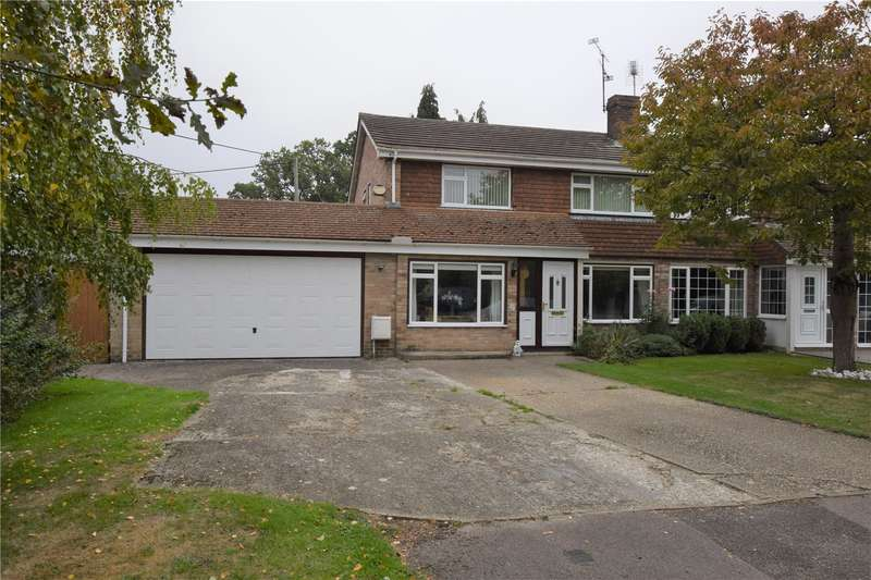 3 Bedrooms Semi Detached House for sale in Stephens Firs, Mortimer, RG7