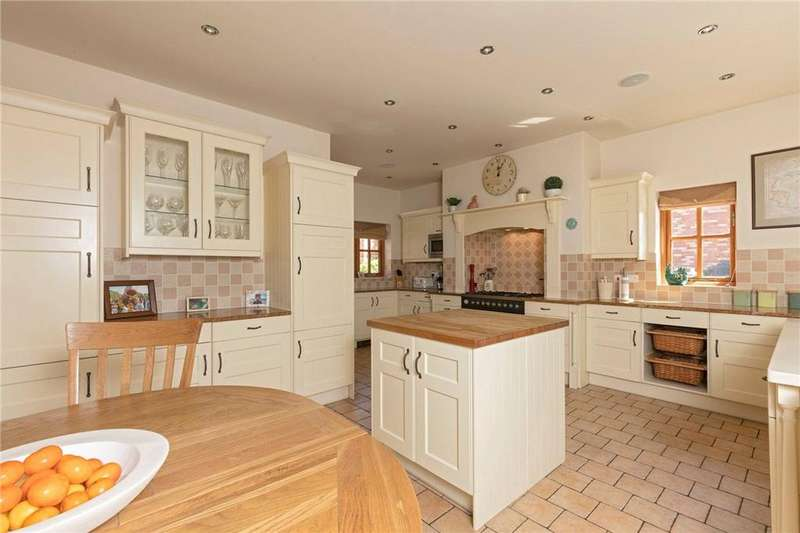 5 Bedrooms Detached House for sale in Flecknoe, Rugby, Warwickshire, CV23