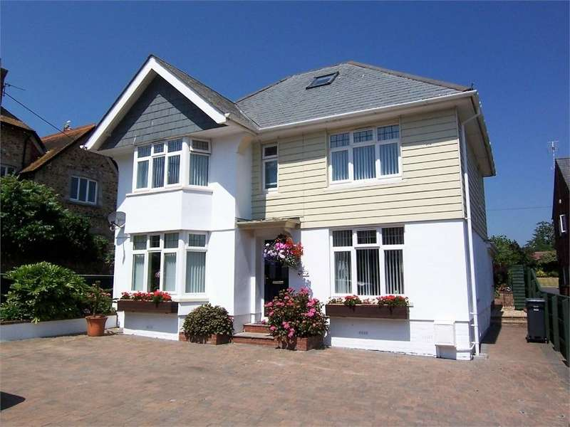 4 Bedrooms Detached House for sale in SEATON, Devon