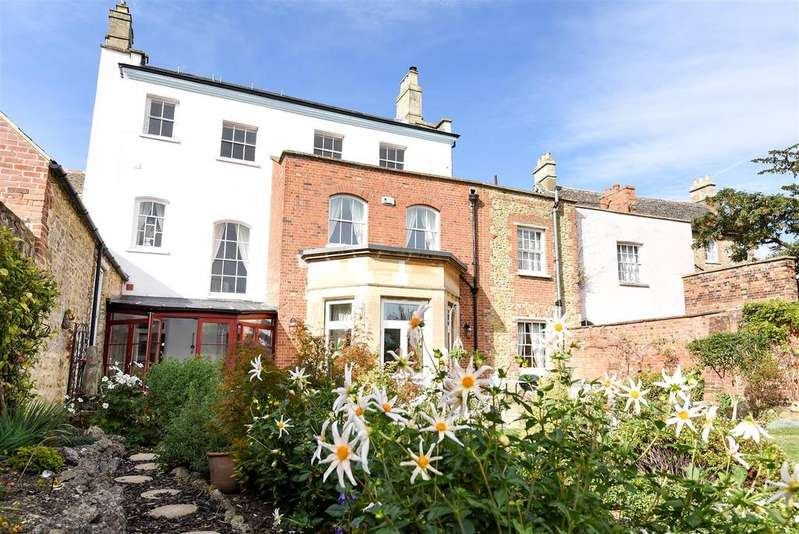 5 Bedrooms Town House for sale in Church Street, Faringdon, Oxfordshire