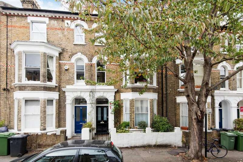 2 Bedrooms Flat for sale in Chantrey Road, Brixton
