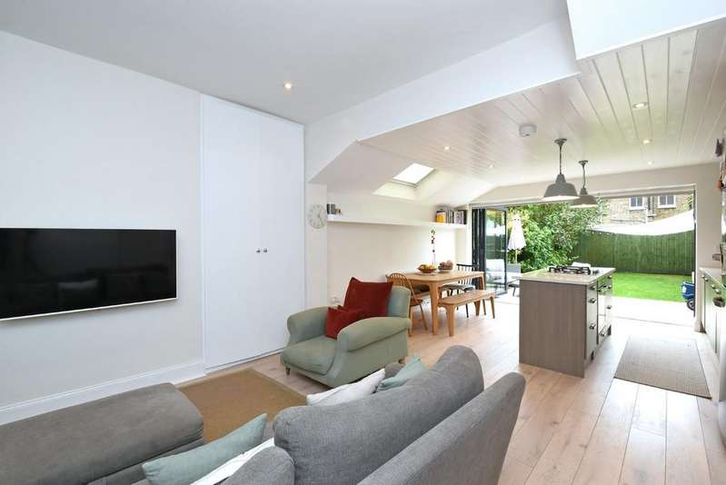 4 Bedrooms Semi Detached House for sale in Whatman Road SE23