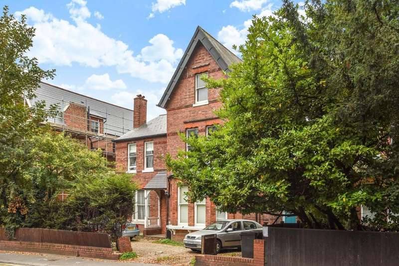 2 Bedrooms Flat for sale in Beulah Hill, Crystal Palace