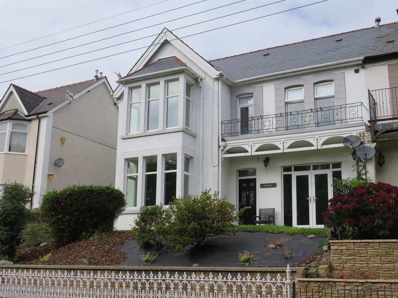 4 Bedrooms Semi Detached House for sale in Park Road, Hengoed