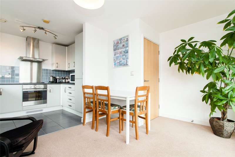 2 Bedrooms Flat for sale in Biggs Square, Felstead Street, E9