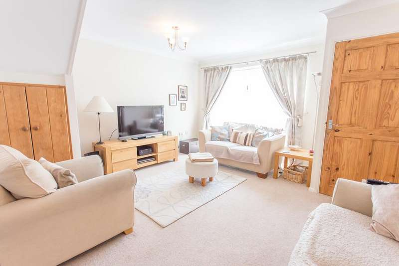 3 Bedrooms Semi Detached House for sale in Blackmoor Wood, Ascot, Berkshire,SL5 8EU