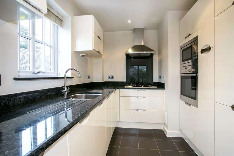 2 Bedrooms Flat for sale in Butterfield House, St. Johns Road, Newbury, Berkshire, RG14