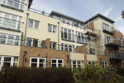 5 Bedrooms Terraced House for sale in Red Admiral Court, Little Paxton, St. Neots, Cambridgeshire