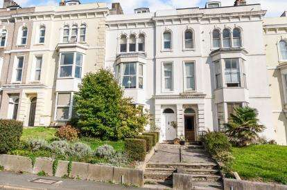 4 Bedrooms Terraced House for sale in Greenbank, Plymouth, Devon
