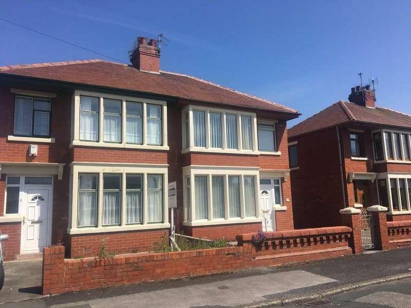3 Bedrooms Semi Detached House for sale in Mersey Road, Fleetwood