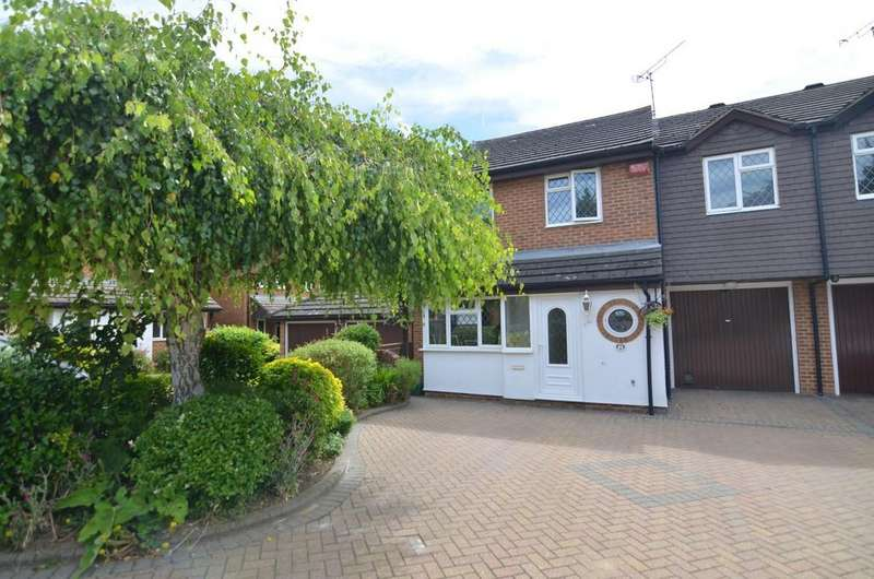 4 Bedrooms Link Detached House for sale in Sedcombe Close, Sidcup, DA14 4QG