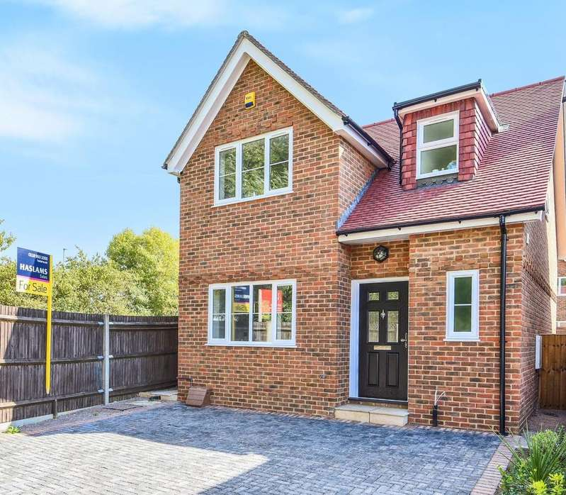 3 Bedrooms Detached House for sale in Gordon Place, Reading, RG30