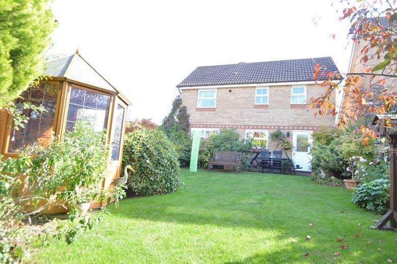 4 Bedrooms Detached House for sale in Highfields, Halstead CO9