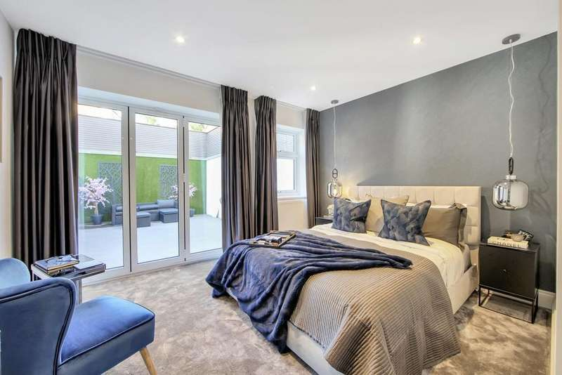 4 Bedrooms Ground Maisonette Flat for sale in Colney Hatch Lane, Muswell Hill N10