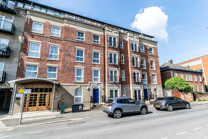 2 Bedrooms Flat for sale in Knightsbridge Court, Palmyra Square North