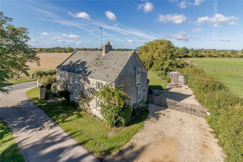 3 Bedrooms Detached House for sale in Little Lemhill, Lechlade, Gloucestershire