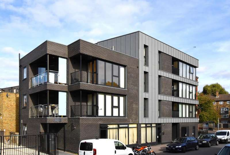 2 Bedrooms Flat for sale in Comerford Road SE4