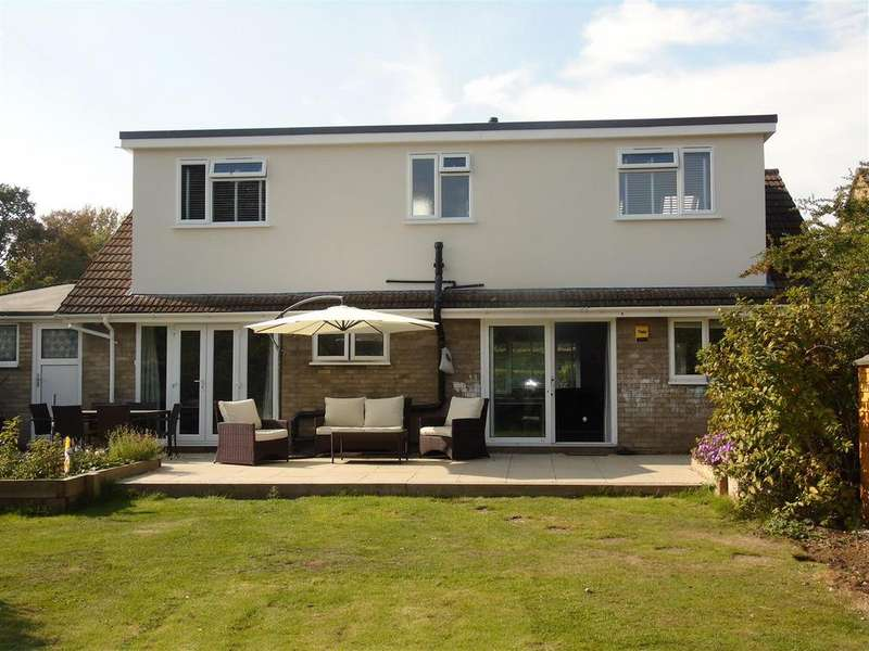 4 Bedrooms Detached Bungalow for sale in Briars Lane, Hatfield
