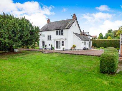 4 Bedrooms Detached House for sale in Main Road, Underwood, Nottingham, Nottinghamshire