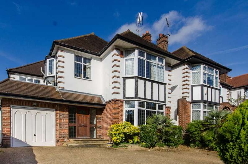4 Bedrooms Detached House for sale in Powys Lane, New Southgate, N14