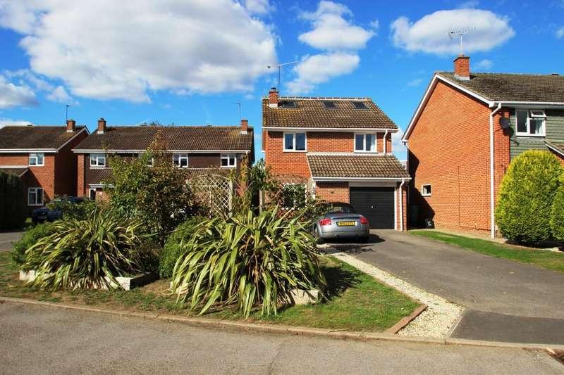 4 Bedrooms Detached House for sale in Eynsham Close, Woodley, RG5