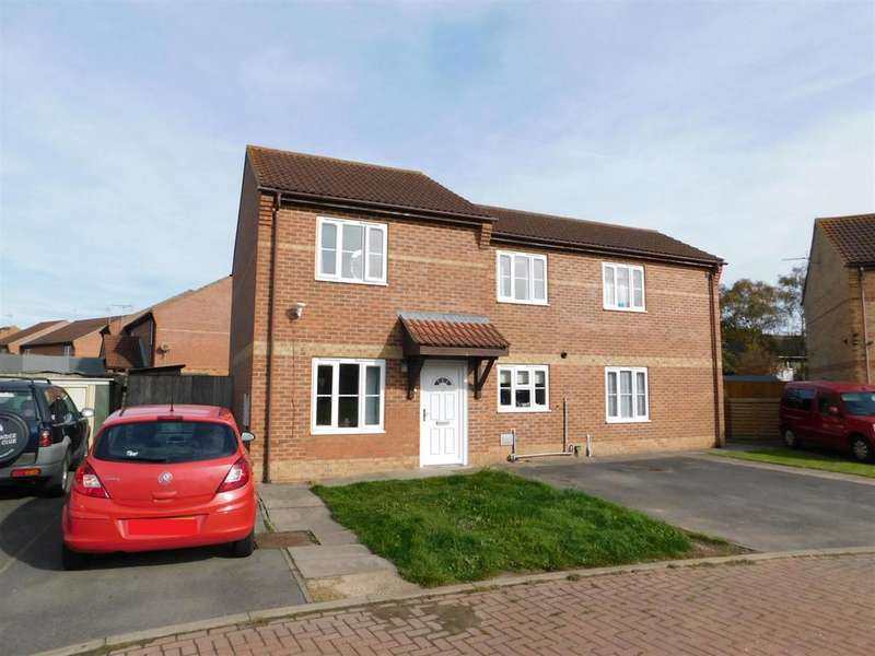 2 Bedrooms Semi Detached House for sale in Elder Close, Skegness, Lincs, PE25 2JW