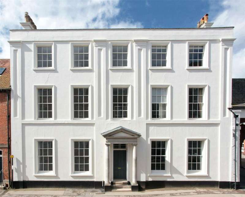 4 Bedrooms End Of Terrace House for sale in Endless Street, Salisbury, SP1