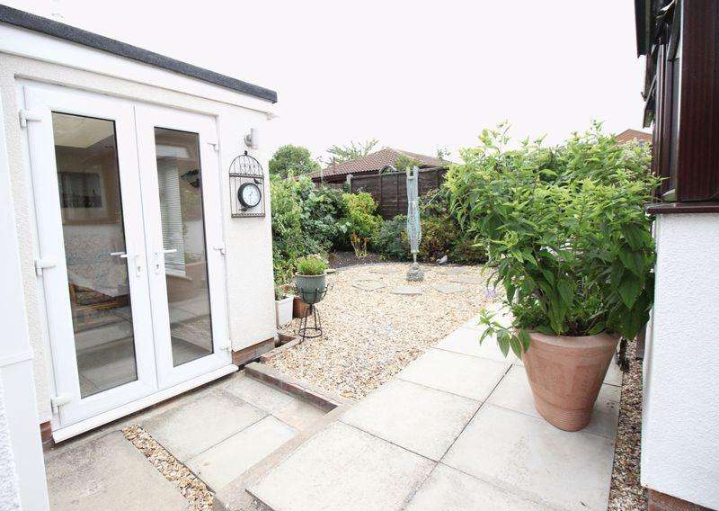 3 Bedrooms Detached Bungalow for sale in Villa Close, Branston