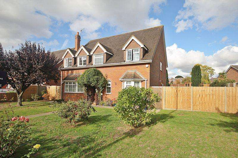 5 Bedrooms Detached House for sale in Impressive living space - check out the video tour!