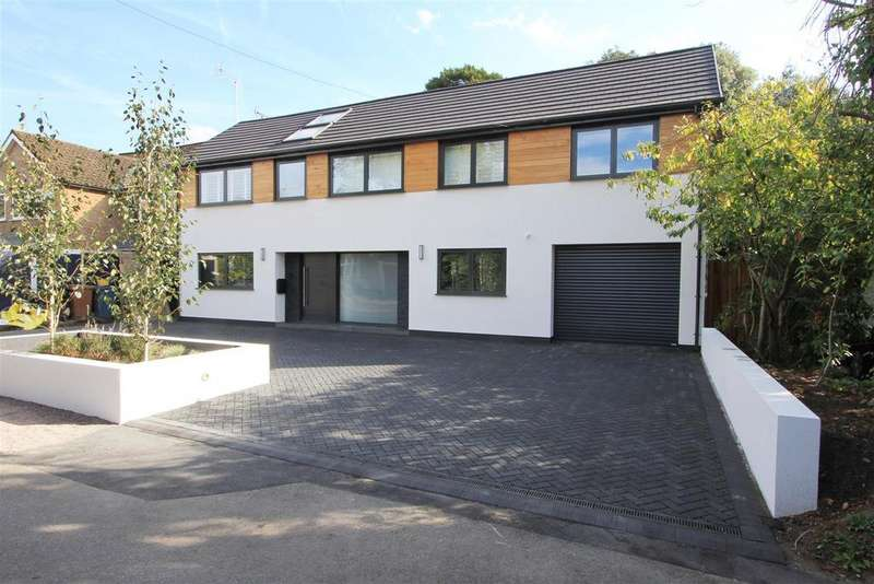 6 Bedrooms Detached House for sale in Little Moss Lane, Pinner Village