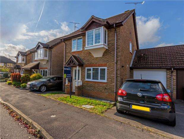 3 Bedrooms Link Detached House for sale in Orchard Grove, Caversham, Reading