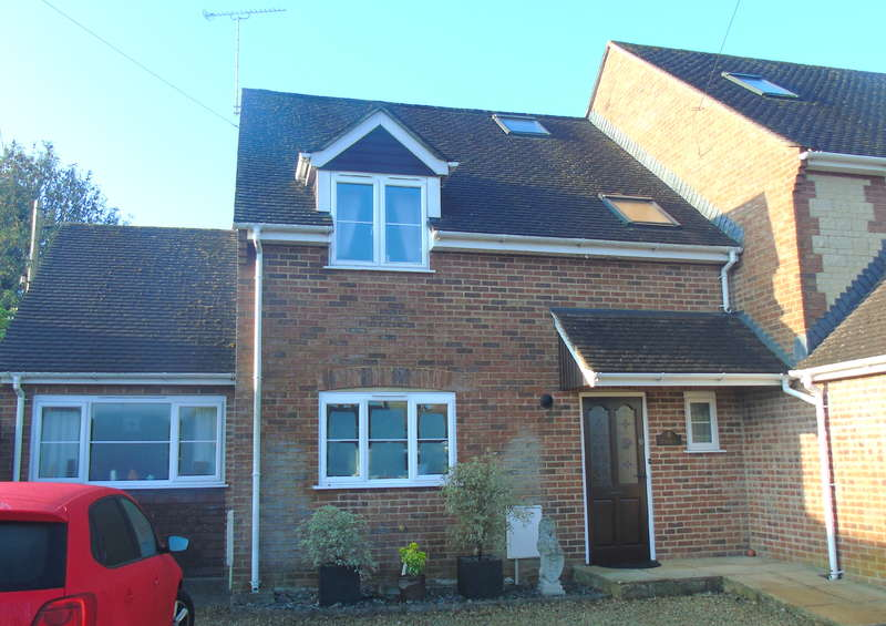 4 Bedrooms Mews House for sale in 4 Longways, Shaftesbury Road, Gillingham, Dorset, SP8 4ED