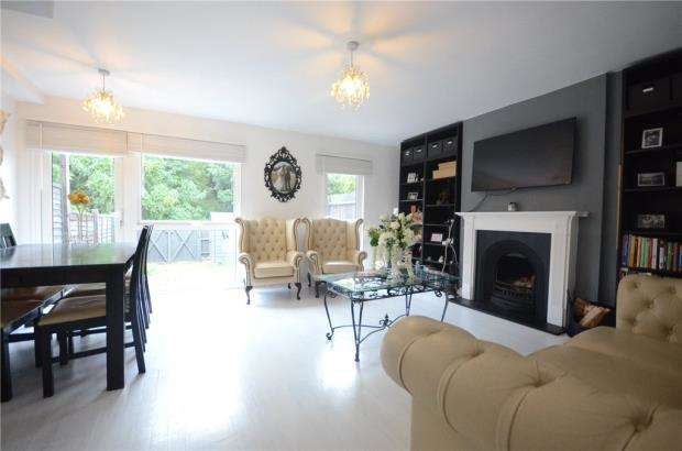 3 Bedrooms Terraced House for sale in Meadow Way, Theale, Reading