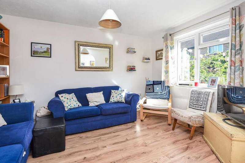 3 Bedrooms End Of Terrace House for sale in Church Lane, Tooting