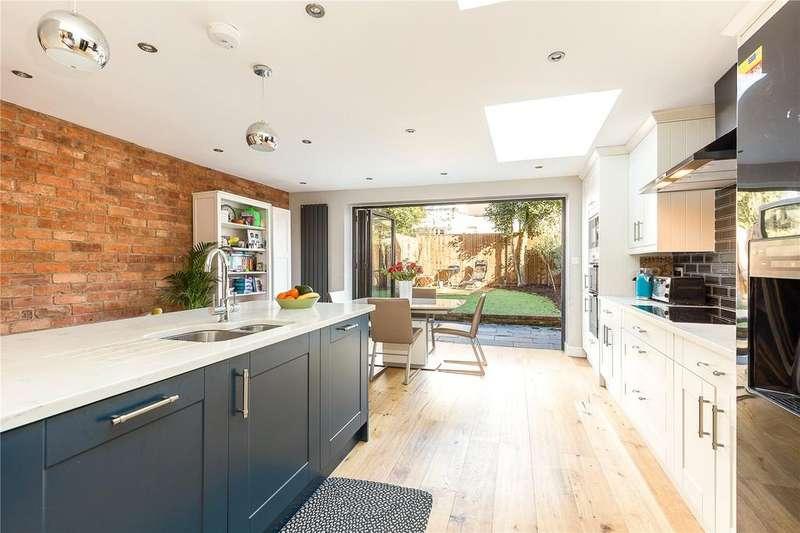 4 Bedrooms Terraced House for sale in Dale Street, Glebe Estate, Chiswick, London, W4