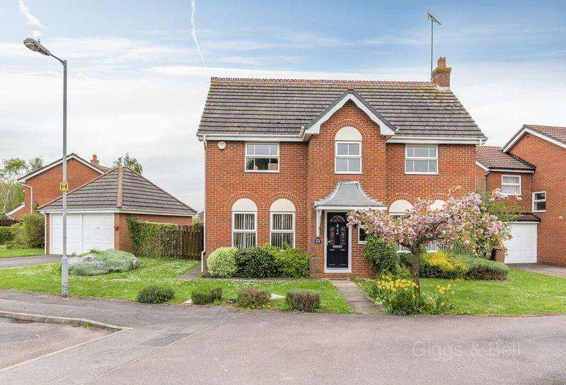4 Bedrooms Detached House for sale in ***Handsome Detached Family Home***