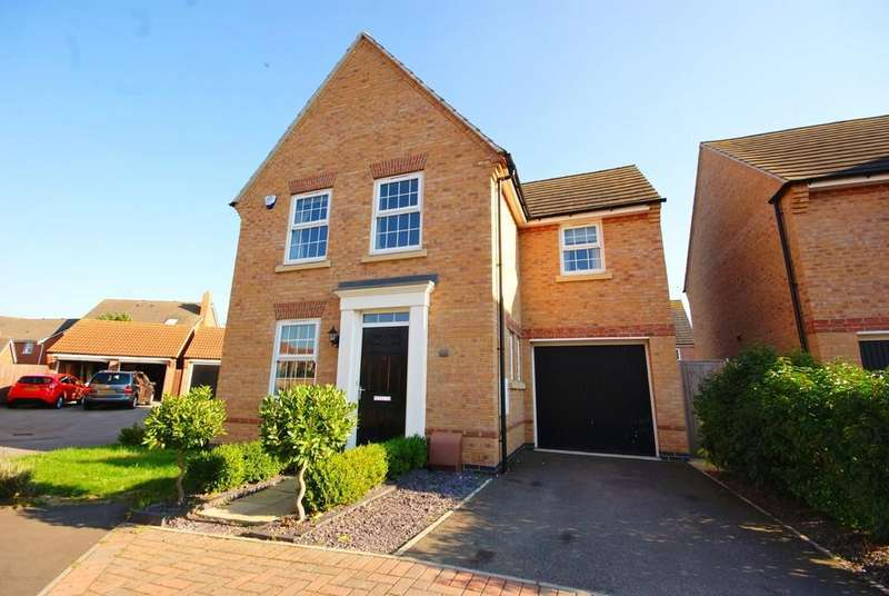3 Bedrooms Detached House for sale in Titus Way, North Hykeham, Lincoln
