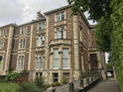 2 Bedrooms Flat for sale in Flat 5, 122 Pembroke Road, Bristol, Somerset