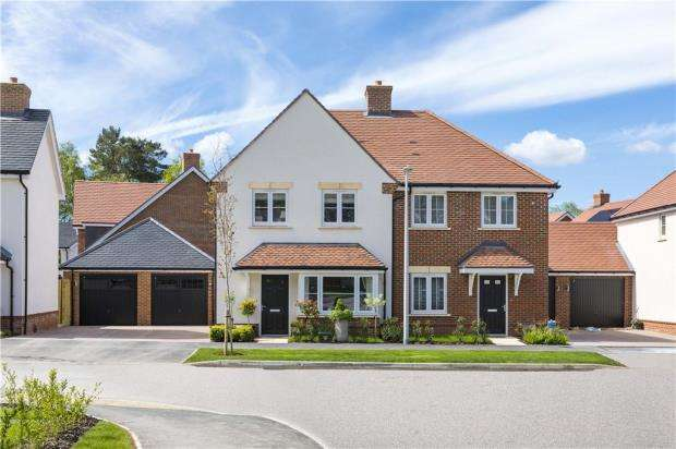 3 Bedrooms Detached House for sale in Oakham Park, Old Wokingham Road, Crowthorne