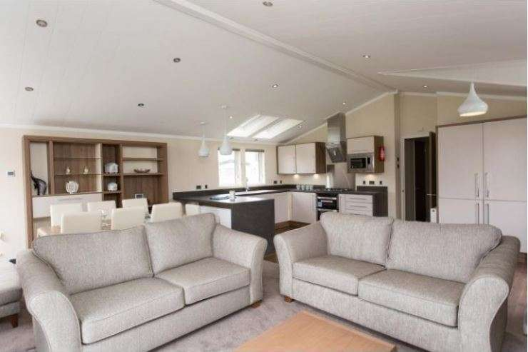 3 Bedrooms Caravan Mobile Home for sale in Tattershall Lakes Country Park, Lincolnshire