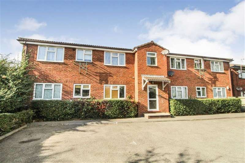 1 Bedroom Flat for sale in Paxton Avenue, Slough, Berkshire