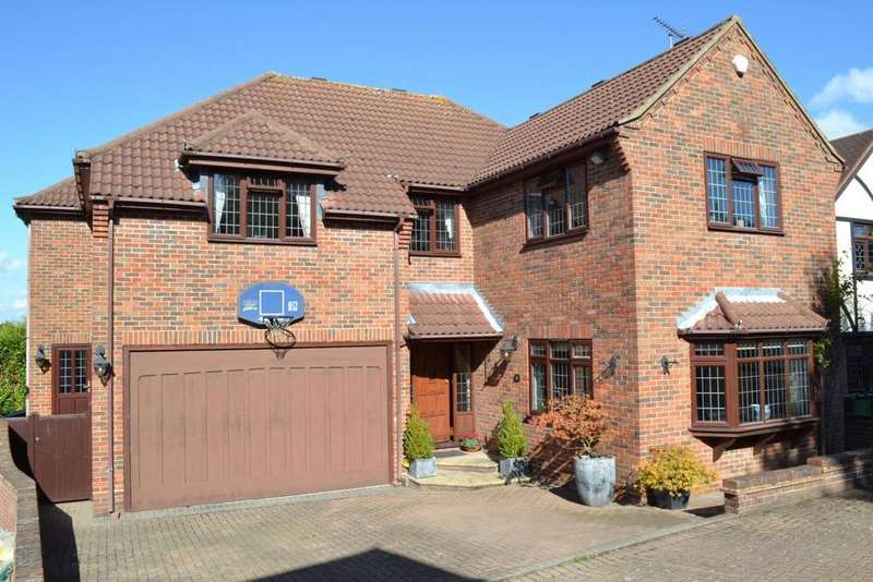 5 Bedrooms Detached House for sale in Summerdale, Billericay, Essex, CM12