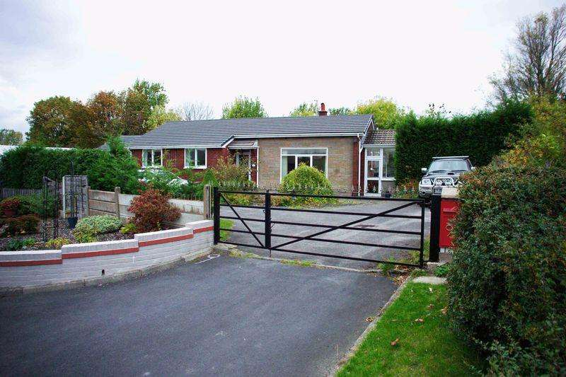 3 Bedrooms Bungalow for sale in Links Place, Ashton under Lyne