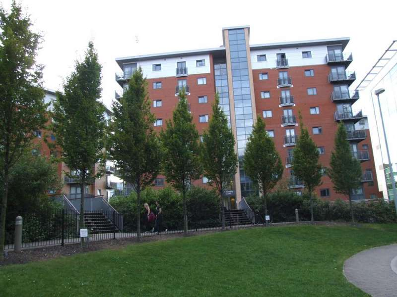2 Bedrooms Flat for sale in City Walk, Velocity East, Leeds, LS11 9BF