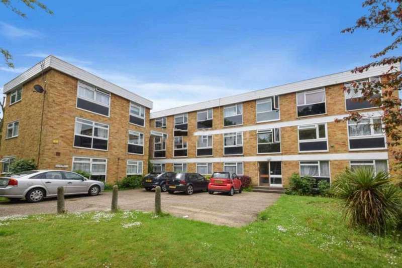 2 Bedrooms Flat for sale in Long Acre, Argyle Road, , London W13