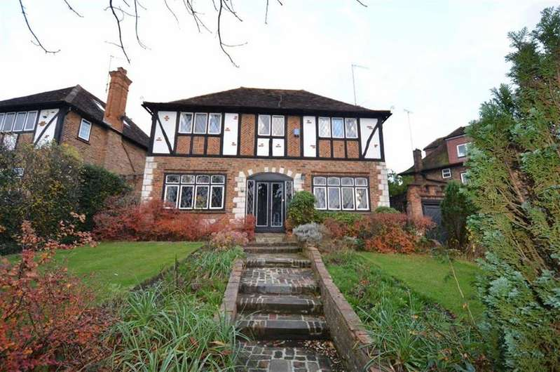 4 Bedrooms Detached House for sale in The Garth, Woodside Park