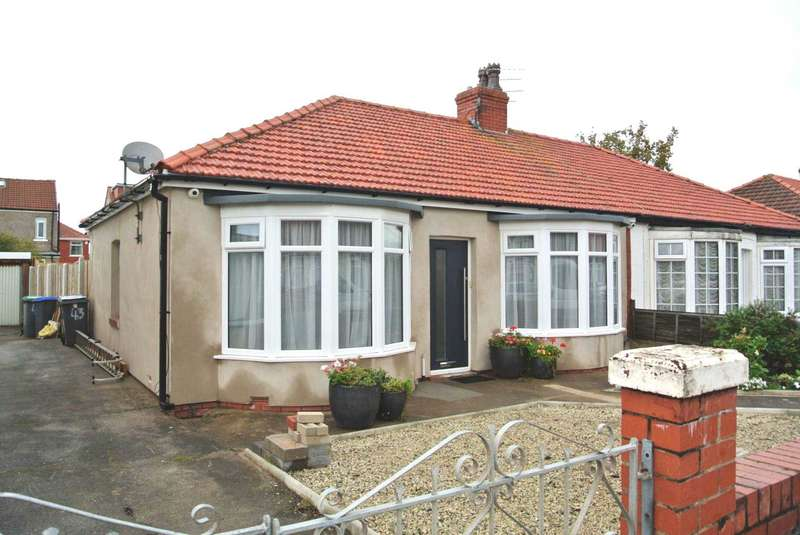 3 Bedrooms Semi Detached House for sale in Roseacre, Blackpool, FY4 2PL