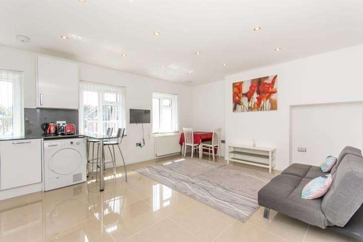 1 Bedroom Apartment Flat for sale in Cecil Road, London NW10 8UJ
